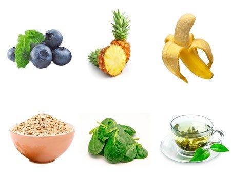 Arándano, piña, banana, avena, espinaca y té verde para licuado quemagrasa